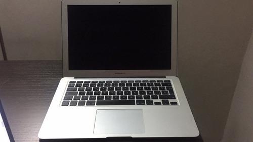 vendo laptop apple macbook air 13 . con poco uso sin detalle