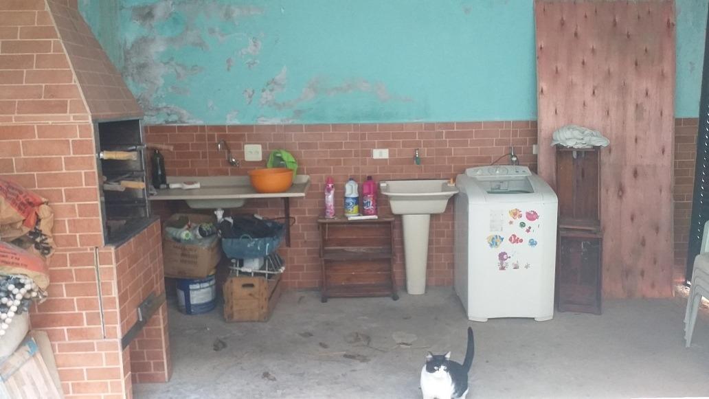 vendo linda casa com 3 cômodos,  todos acabados