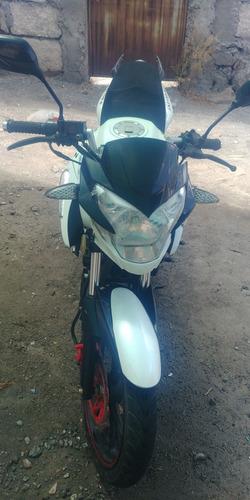 vendo linda moto foxerz, deportiva , semi pistera .modelo fx