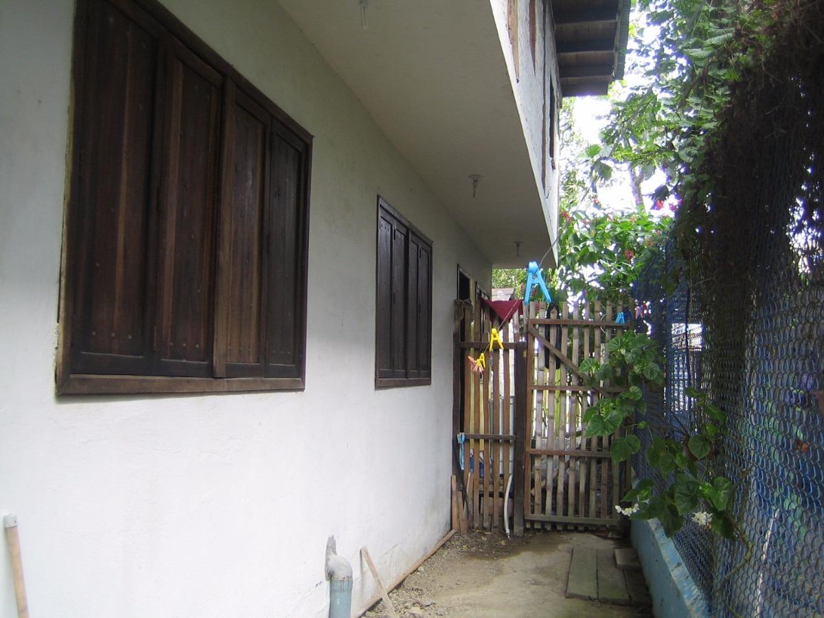 vendo linda propiedad con casa en centro de atacames