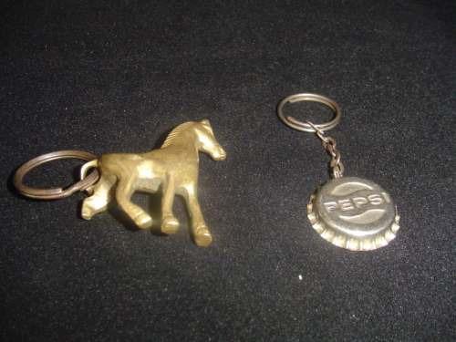 vendo llaveros de metal antiguos de coleccion