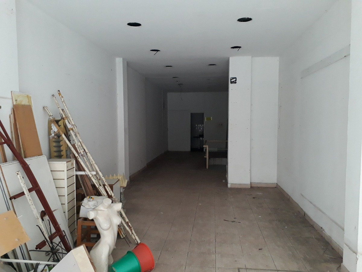 vendo local centrico de 130 m2 en dos plantas