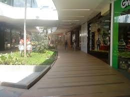 vendo local comercial unicentro 2do piso 99,40 m2