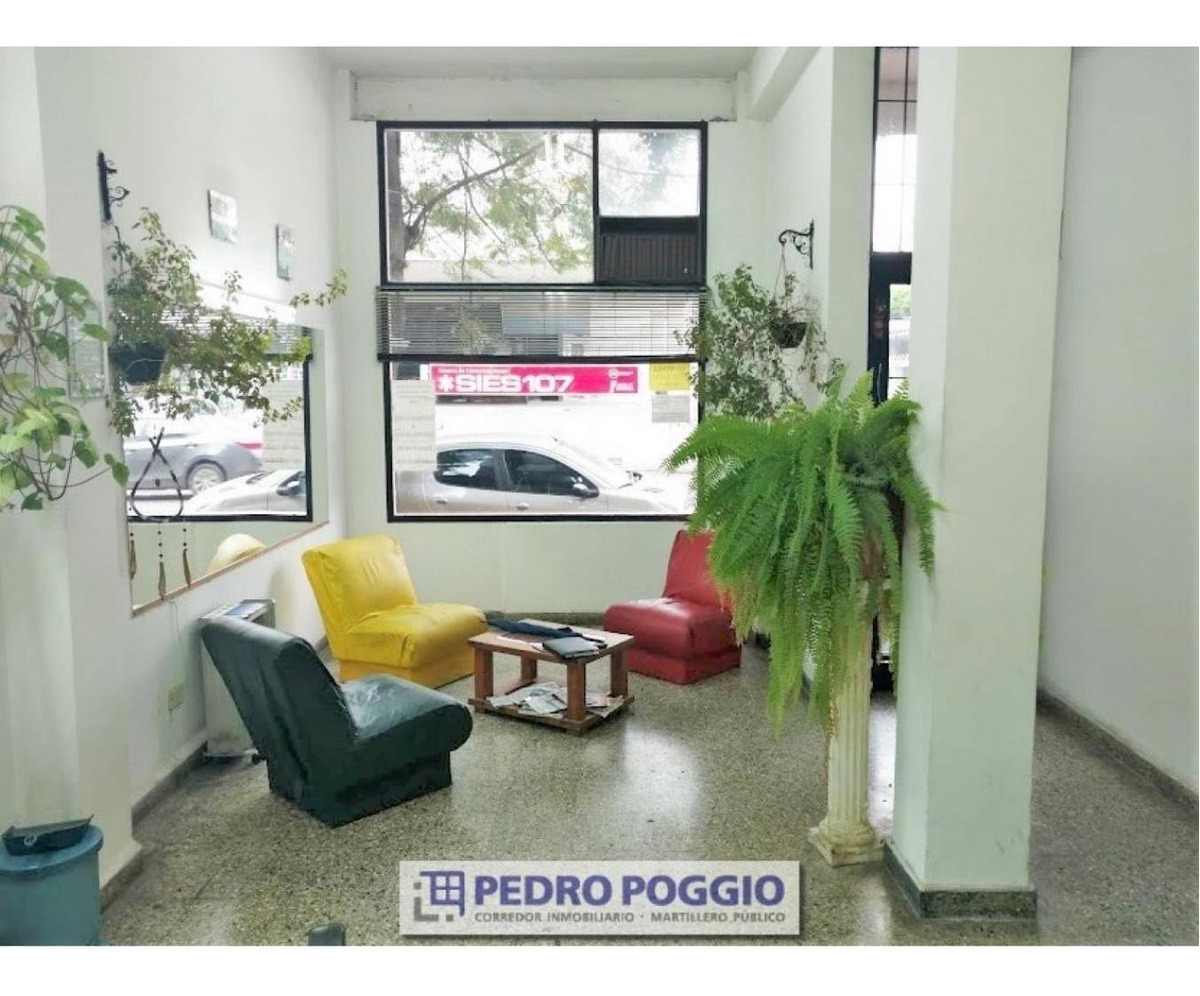 vendo local en zona centro - balcarce y san luis