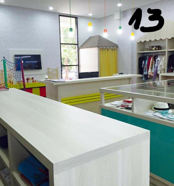 b7c568d799f6d Vendo Loja Completa De Roupas Infantis - R  43.800