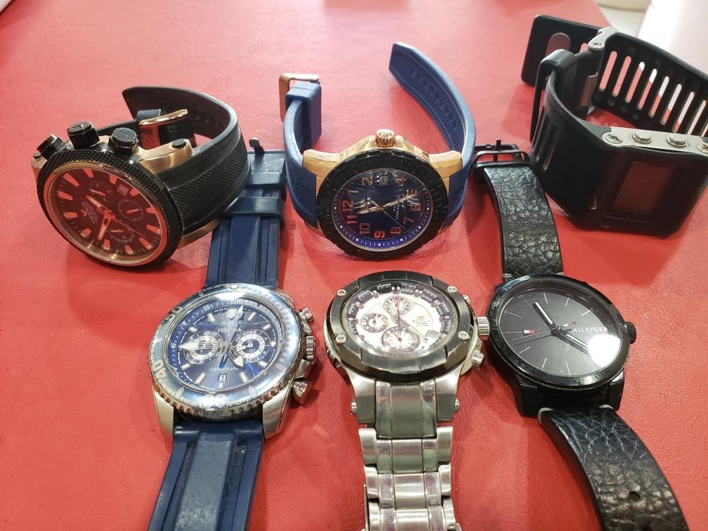 d588a0bf9669 vendo lote de relojes marcas varias. Cargando zoom.