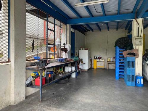 vendo lubricentro excelente ubicación y construcción