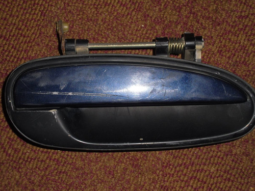vendo manigueta trasera (derecha) de hyundai sonata 1995