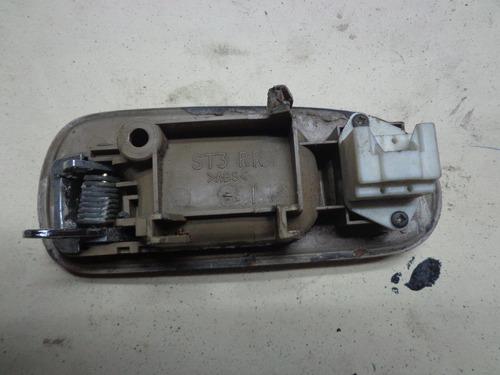 vendo manigueta trasera derecha de rover 416i, año 1998