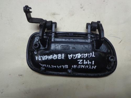 vendo manigueta trasera izquierda de hyundai elantra 1992