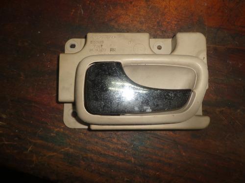 vendo manigueta  trasera izquierda de volvo s70, año 1998