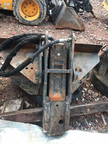 vendo martillo bobcat 2570