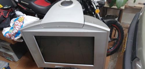 vendo mi televisor sony wega 29 tiene solo daño de fayback .