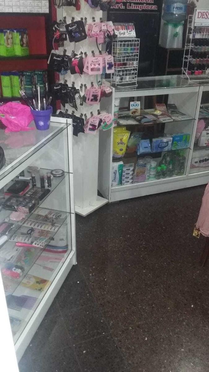vendo mobiliario de perfumeria
