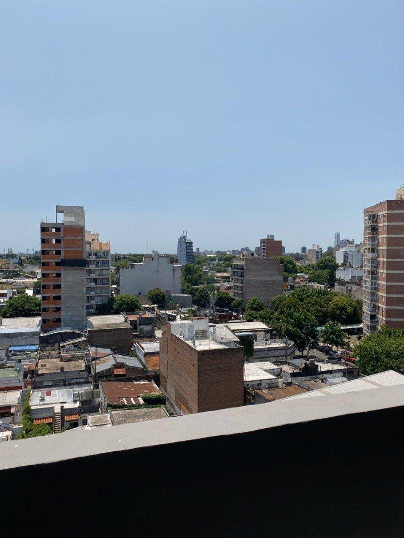 vendo monoambiente con balcon al frente - a estrenar - pileta con parrillero - echesortu