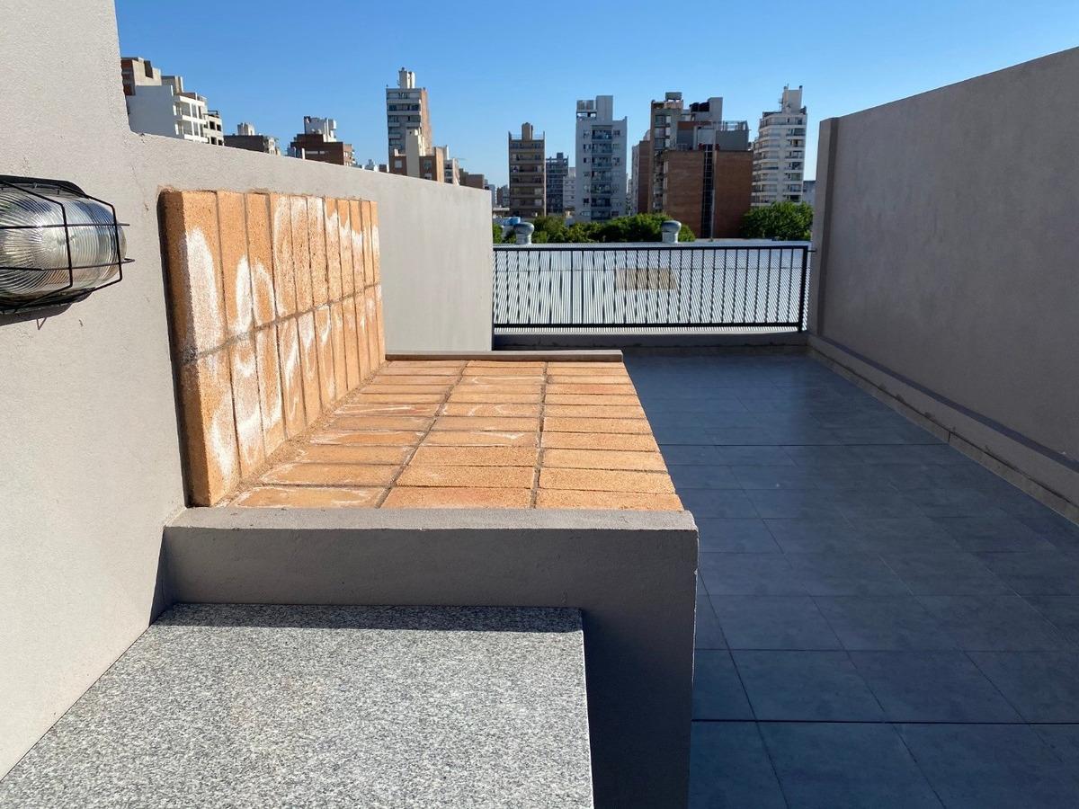 vendo monoambiente - con terraza exclusiva - zona medicina
