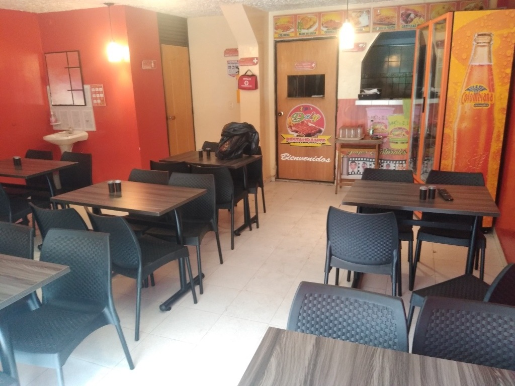 vendo montaje para restaurante en kenedy