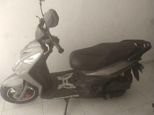 vendo moto akt ak125cs - como nueva