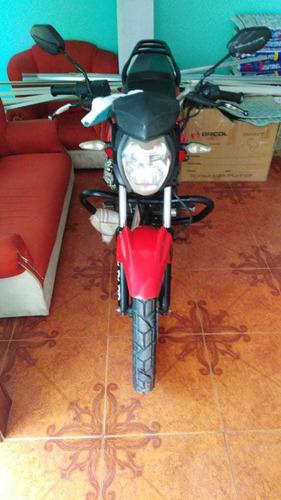 vendo moto akt150, como nueva