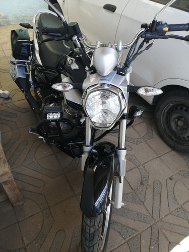 vendo moto año 2019