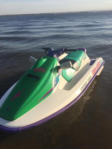 vendo moto de agua marca sea doo  modelo gtx  94 tri-plaza