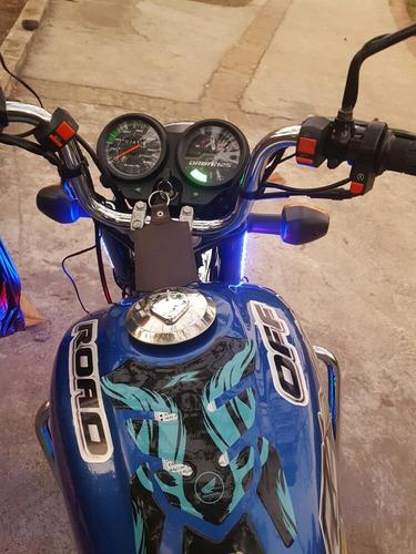 vendo moto ero 2019 semi nueva es 125
