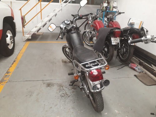 vendo motocicleta mod.2015 suzuki muy buen estado