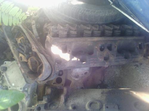 vendo motor 318 dodge. modelo viejo.