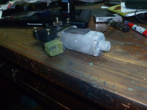 vendo motor de regulador de ventana de volvo s80, año 2000