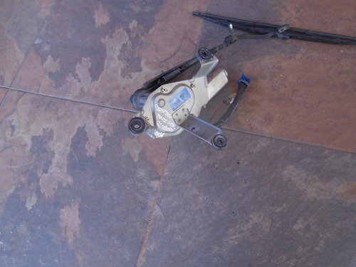 vendo motor de wiper kia sorento, # 98700-3e00, año 2006