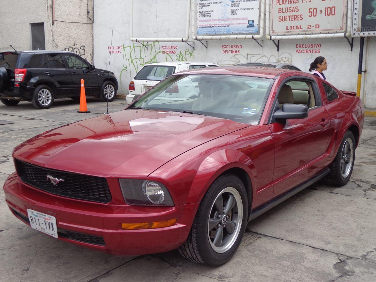 Vendo mustang 2007 coupe v6 automatico cargando zoom