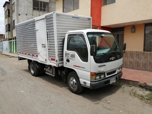 vendo nkr ii  furgón modelo 2006 o se permuta con npr