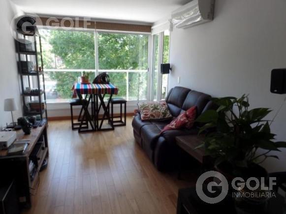 vendo o alquilo apartamento de 1 dormitorio amueblado, sin garaje, parrillero abierto, puerto del buceo