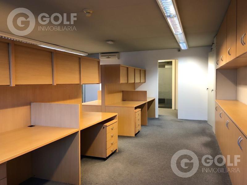 vendo o alquilo un piso de oficinas sobre bv. artigas, 2 garajes, a metros del club de golf, punta carretas
