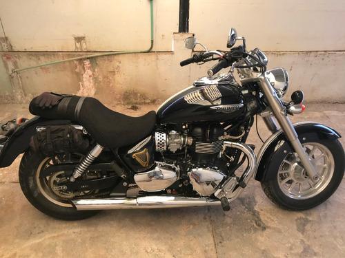 vendo o cambio, moto triumph 2012 por doble propósito.