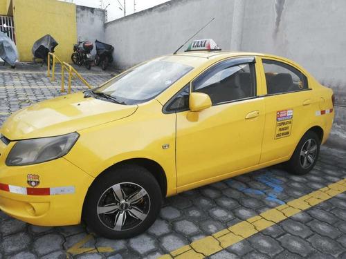 vendo o cambio taxi de cooperativa legal en quito