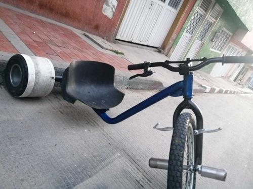 vendo o cambio triciclo de drift por una bicicleta