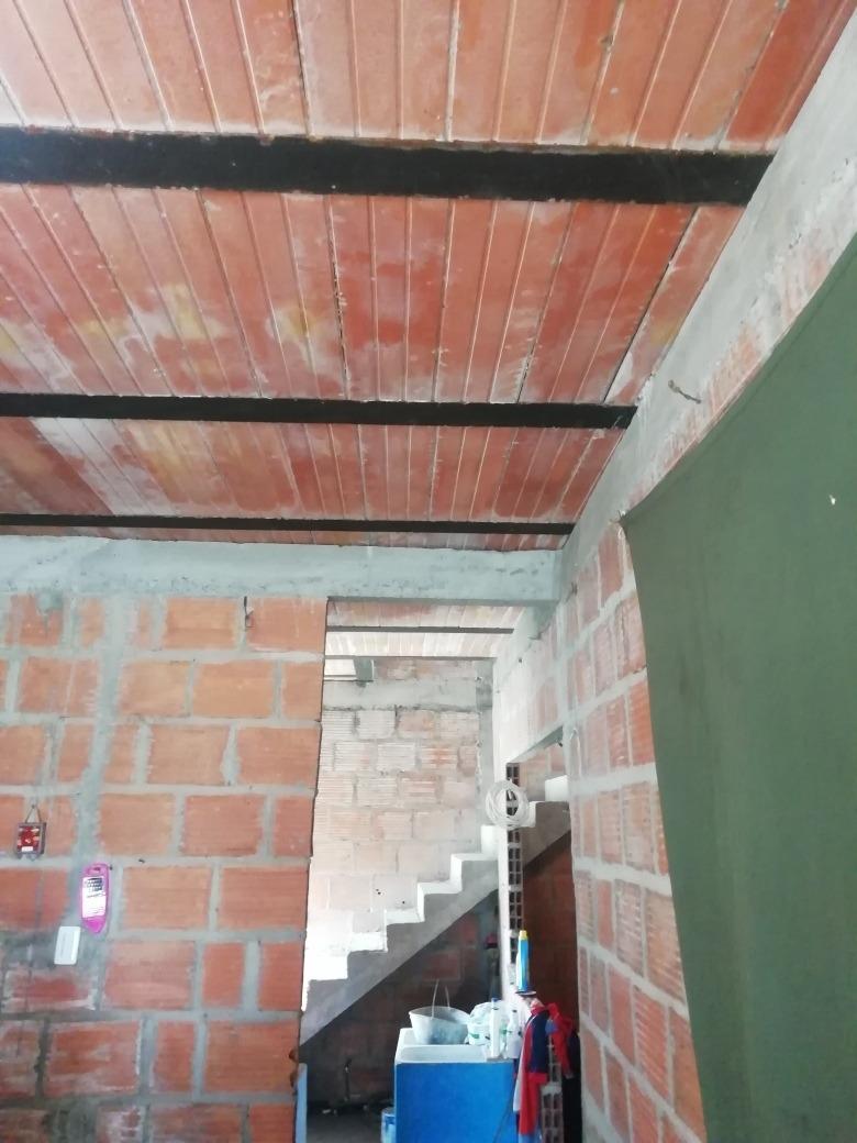 vendo o permuto casa en villavicencio, de 6x12 esquinera con