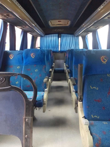 vendo o permuto colectivo 19 pasajeros