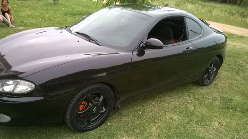 vendo o permuto hyundai coupe 2.0 super full.