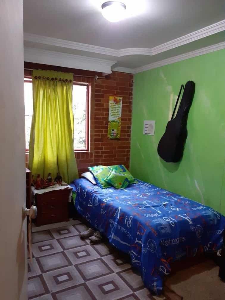 vendo o permuto mi apartamento por casa o apto de menor val.