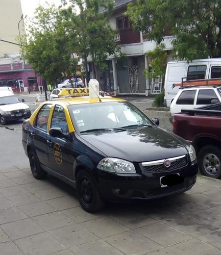 vendo o permuto. taxi siena 2015