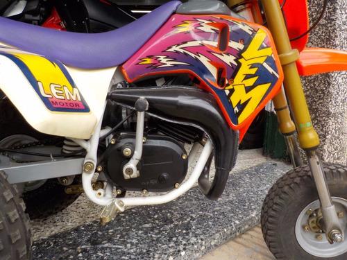 vendo o permuto triciclo lem 50 italiano, excelente calidad!