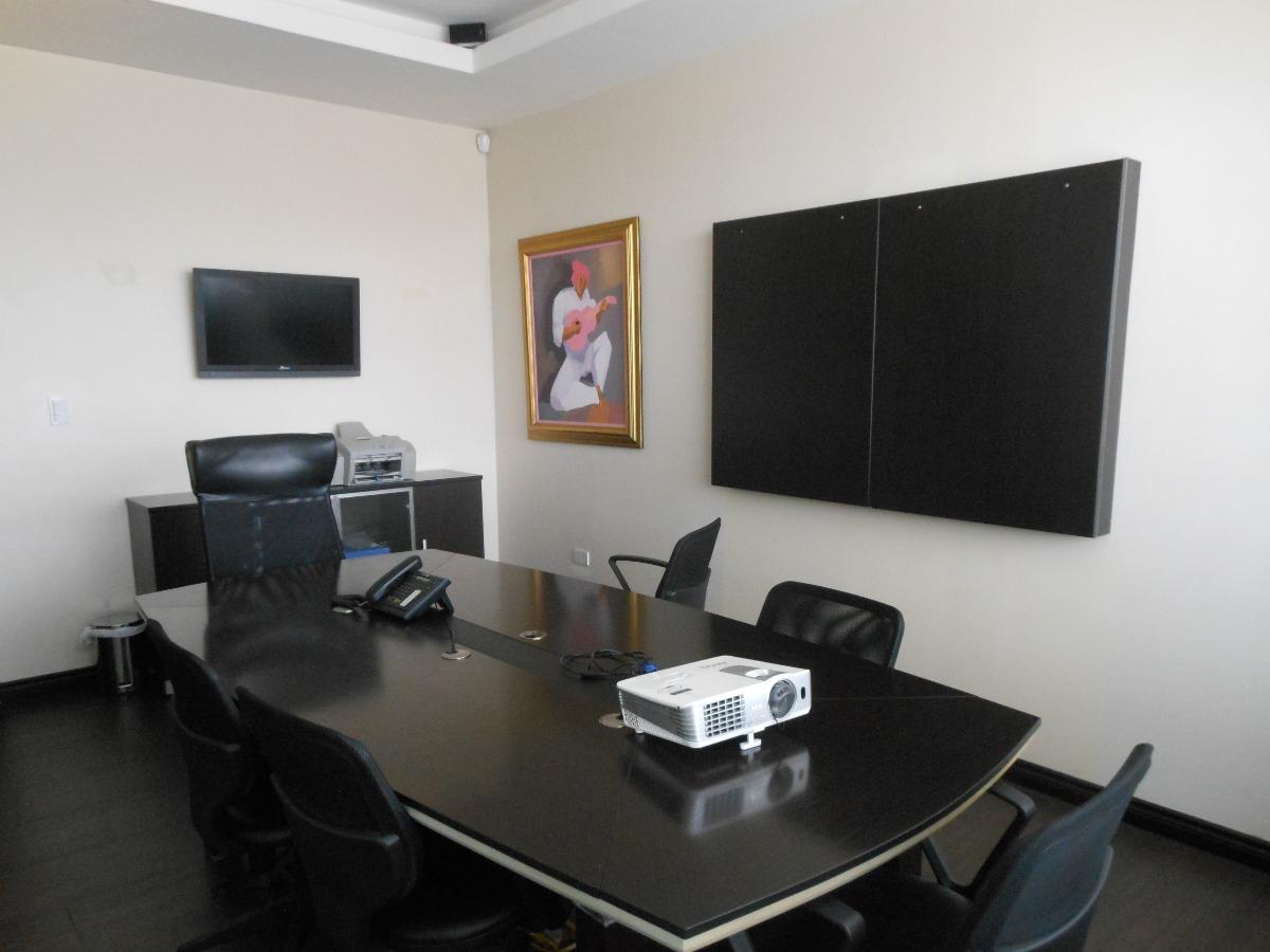 vendo oficina moderna de 142 m2 en el site center de cumbayá