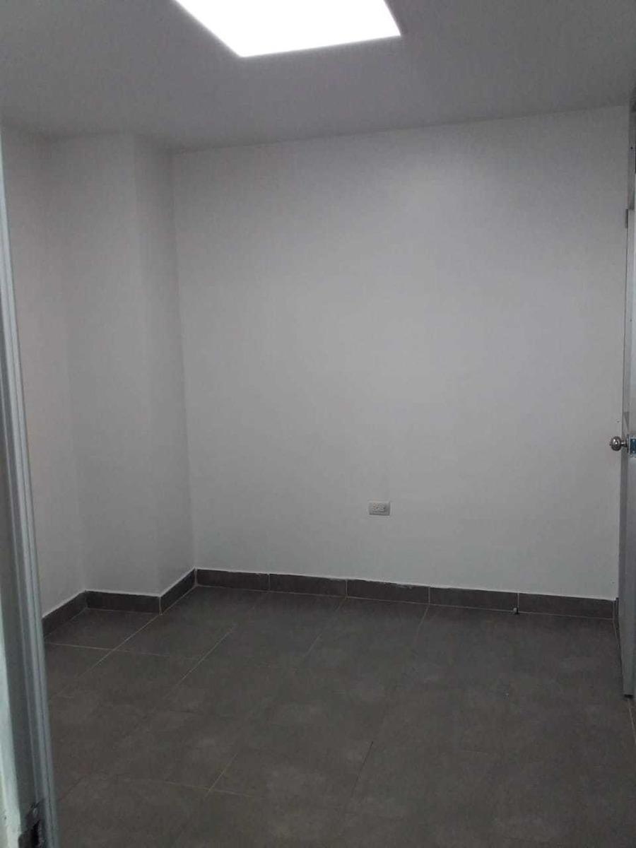 vendo oficina para consultorio médico 36m2