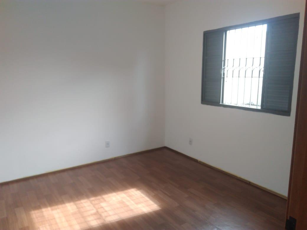vendo ótimo sobrado no bairro vl. carrão 03 dorm (1 suite)