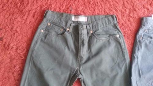 vendo pantalones de tela levi's...