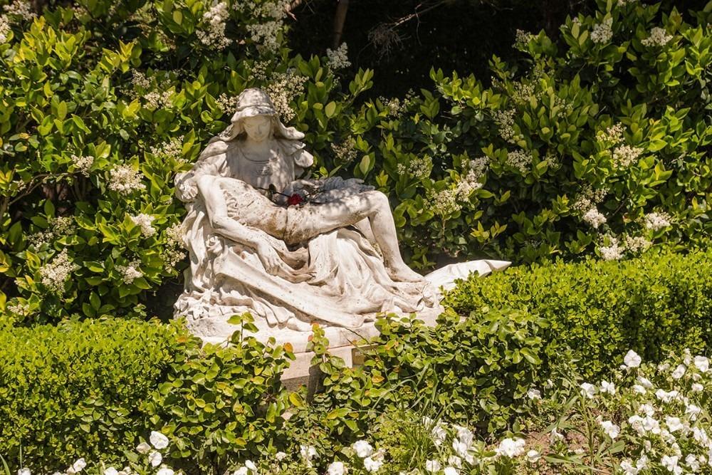 vendo parcela en cementerio jardín de paz pilar