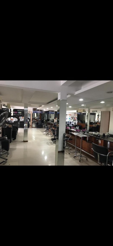 vendo peluquería funcionando/propiedad apta para 4 pisos