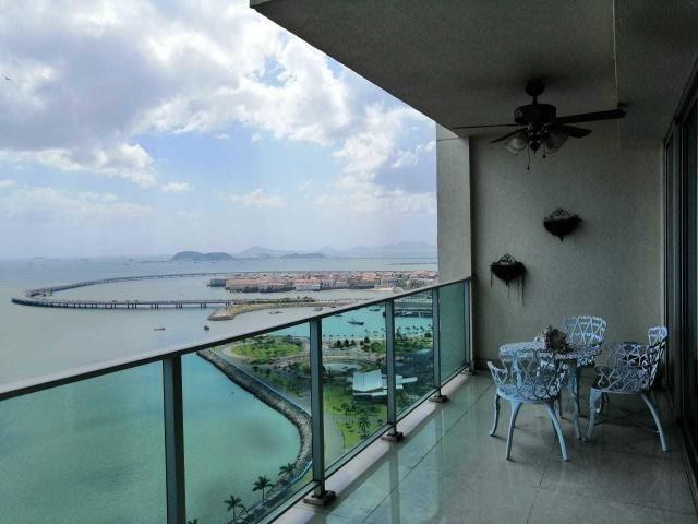 vendo penthouse en h2o on the ocean, av. balboa 19-358**gg**